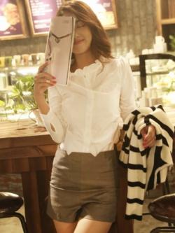 เสื้อเชิ้ตคอจีน2 แต่งระบายฟรุ๊งฟริ๊ง สีขาว(White)