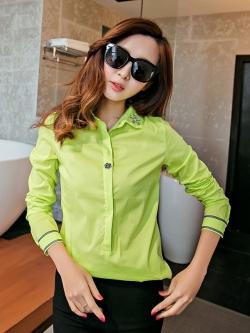 เสื้อเชิ้ตสีพื้นตัวโปรด ปกประดับพลอยเป็นรูปดอกไม้ สีเขียวเลม่อน(Lemon Green)