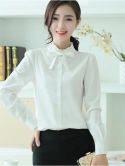 เสื้อคอป่านระบายผูกโบว์ลุคหวาน สีขาว