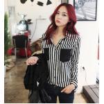 เสื้อเชิ้ตชีฟองลายทางขาวดำ กระเป๋าดำ ทรงหลวม สีลายขาว-ดำ Size S