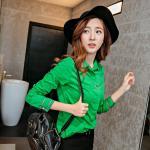 เสื้อเชิ้ตสีพื้นตัวโปรด ปกประดับพลอยเป็นรูปดอกไม้ สีเขียวเข้ม Size S