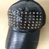 หมวกแก๊บหนังสีดำ