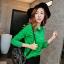 เสื้อเชิ้ตสีพื้นตัวโปรด ปกประดับพลอยเป็นรูปดอกไม้ สีเขียวเข้ม(Green) thumbnail 1