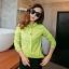 เสื้อเชิ้ตสีพื้นตัวโปรด ปกประดับพลอยเป็นรูปดอกไม้ สีเขียวเข้ม(Green) thumbnail 2