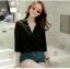 เสื้อเชิ้ตชีฟองคอวีแฉก สีดำ thumbnail 1