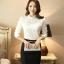 เสื้อเชิ้ตลูกไม้ทั้งตัว แต่งผ้าริ้วคาดหน้า คอจีนแต่งระบายประดับไข่มุก สีขาว(White) thumbnail 3