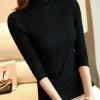 เสื้อกันหนาวไหมพรม พร้อมส่ง สีดำ คอปิด ตัวสั้น แต่งลายลูกโซ่รัดรูปได้ตามขนาดตัว น่ารักๆ