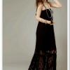 maxi dress - ชุดเดรสยาวผ้าลูกไม้ แฟชั่น สายเดี่ยว จับสม๊อกช่วงหน้าอก สีดำ น่ารักมาก ใส่ออกงานสวยมากๆ ค่ะ Asia Street Fashion