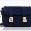กระเป๋า Axixi กระเป๋าสะพายข้างสไตล์ญี่ปุ่น และกระเป๋าสะพายข้างสไตล์เกาหลี มี 2 สีให้เลือก สีเบอร์กันดีออกโทนแดง และ สีไพลิน