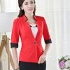 เสื้อสูทแฟชั่น พร้อมส่ง สีแดง แต่งเว้าที่ปกเสื้อเก๋ๆ แต่งขลิบสีดำช่วงคอเสื้อ และ แขนพับ ติดกระดุมเม็ดเดียวเก๋ แขนสามส่วน รูปทรงสุดหรู ใส่ทำงานได้