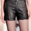 กางเกงหนัง พร้อมส่ง สีดำ กางเกงหนังขาสั้น ทำจากหนังแกะสังเคราะห์ หนังเนื้อนิ่ม งาน Premium Quality กระเป๋าหลอก แต่งกระเป๋าด้วยคริสตัลเก๋ ด้านในกางเกงมีซับใน ใส่คู่กับเสื้อแจ็คเก็ตหนังก็แมทซ์กันมากๆค่ะ สาวๆที่ชอบขับ Big Bike ชุดนี้ไม่ควรพลาดค
