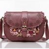กระเป๋า Axixi สำหรับคนที่ชอบงานคลาสสิคต้องจัดกันแล้วกับกระเป๋าสไตล์ย้อนยุค มีให้เลือก 2 โทนสี สีกากี และสีผงยาง