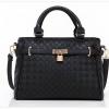 กระเป๋า Axixi กระเป๋าสไตล์ญี่ปุ่น และกระเป๋าสไตล์เกาหลี มีให้เลือก 2 โทนสี สีดำโมเดิร์น และสีงาช้าง