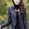 เสื้อแจ็คเก็ต เสื้อหนังแฟชั่น พร้อมส่ง สีดำ หนังเงา แบบเท่ห์ๆ อินเทรนด์ แต่งซิบรูดช่วงปลายแขน และ ช่วงเอว สุดเท่ห์