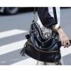 กระเป๋า Axixi กระเป๋าแฟชั่นยุโรป และอเมริกา ทำจากวัสดุ PU ให้คุณสมบัติพื้นผิวที่อ่อนนุ่ม