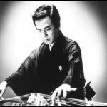 """เพลงบรรเลงดีๆ กับอาจารย์ """"Tadao Sawai"""" กับเครื่องดนตรีของญี่ปุ่นที่เรียกว่า """"Koto"""""""