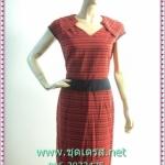1616เสื้อผ้าแฟชั่น ชุดทำงานลายขวางแดงดำ ปกเชิ๊ตในตัวสำเร็จคอวี สวมง่ายผ้าคอตตอล100เนื้อหนา มีซับในแต่งขอบเอวดำเบรคลายเพิ่มสีสันสะดุดตาและขอบแขน