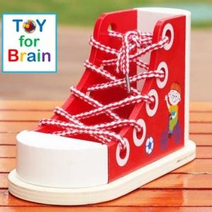 Wooden Shoes รองเท้าไม้สำหรับฝึกผูกเชือกรองเท้า