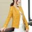 เสื้อแจ็คเก็ตหนัง เสื้อหนังแฟชั่น พร้อมส่ง สีเหลือง ตัวสั้น หนังPU งานสวยเหมือนแบบแน่นอนค่ะ แขนยาว มีซับใน เข้ารูป แต่งลวดลายช่วงเอวเก๋ๆ มีกระเป๋าใช้งานได้ ดีไซน์เก๋ๆ thumbnail 2