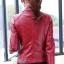 เสื้อแจ็คเก็ต เสื้อหนังแฟชั่น พร้อมส่ง สีแดง คอปก ดีเทลด้วยปกโฉบเฉี่ยว แต่งด้วยซิบรูด สุดเท่ห์ หนัง PU คุณภาพดี หนังเนื้อนิ่มหน้าใส่ thumbnail 2
