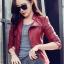 เสื้อแจ็คเก็ต สีแดง คอจีน พร้อมส่ง ดีเทลด้วยปกโฉบเฉี่ยว แต่งกระเป๋าหลอกด้วยซิบรูด สุดเท่ห์ thumbnail 6