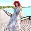 MAXI DRESS ชุดเดรสยาว พร้อมส่ง สีฟ้า ลายดอกไม้โทนสีแดง สวยมาก ดีเทลระบายเป็นชั้นช่วงคอเสื้อ thumbnail 2