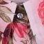 เสื้อแฟชั่น พร้อมส่ง ลายดอกไม้สีแดง เนื้อผ้าย่นๆ คอปก แขนยาว ติดด้วยกระดุมเก๋ๆ thumbnail 6