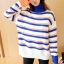 เสื้อกันหนาวไหมพรม พร้อมส่ง พื้นสีขาว ลายทางสีน้ำเงินสลับสีส้มน่ารักๆ คอเต่า thumbnail 1