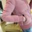 เสื้อกันหนาว พร้อมส่ง สีชมพู กระดุมหน้า รูดซิบขึ้นช่วงคอกันลมได้ค่ะ งานสวยเหมือนแบบแน่นอนค่ะ จั้มปลายแขนและชายเสื้อ thumbnail 5