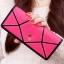 กระเป๋าสตางค์แฟชั่น BENLEI พร้อมส่ง สี ROSE RED ลายตัดสีดำเก๋ๆ ใบยาว DESIGN สุดเก๋ ปิดเปิดด้วยกระดุมแป๊กเก๋ๆ สวยหรู thumbnail 1