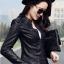 เสื้อแจ็คเก็ต สีดำ หนัง PU พร้อมส่ง คอจีน แขนยาว ดีเทลเย็บตะเข็บตรงหัวไหล่สุดเท่ห์ แต่งกระเป๋าหลอกด้วยซิบรูดเก๋ thumbnail 5