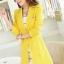 เสื้อสูทแฟชั่น พร้อมส่ง สีเหลือง ตัวยาว คลุมสะโพก แขนยาว คอปกเก๋ แต่งสายคาดเอวด้านหลัง งานสวยดีไซน์เก๋มากๆ thumbnail 1