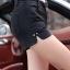 กางเกงหนัง พร้อมส่ง สีดำ กางเกงหนังขาสั้น ทำจากหนังแกะสังเคราะห์ หนังเนื้อนิ่ม งาน Premium Quality กระเป๋า 2 ข้างใช้งานได้ แต่งผ่าด้านข้างเก๋ thumbnail 3