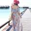 MAXI DRESS ชุดเดรสยาว พร้อมส่ง สีฟ้า ลายดอกไม้โทนสีแดง สวยมาก ดีเทลระบายเป็นชั้นช่วงคอเสื้อ thumbnail 4