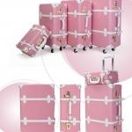 กระเป๋าเดินทางวินเทจ รุ่น spring colorful ชมพูคาดขาว ขนาด 20 นิ้ว