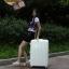 กระเป๋าเดินทางไฟเบอร์ รุ่น Aluminium ขาวขอบเหลือง ขนาด 20 นิ้ว thumbnail 8