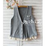 Megu เสื้อกั๊ก ผ้าไหมพรมนิ่ม แต่งลูกไม้ถัก สีเทา