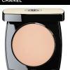 Chanel Les Beiges Healthy Glow Sheer Powder SPF 15 / PA++ No 10 แป้งที่เน้นลุค Healthy Glow บางเบา เหมาะกับการเป็น finish powder