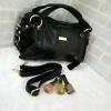 กระเป๋าสะพายหนังนิ่ม สีดำ