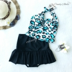 (free size) ชุดว่ายน้ำ ทูพีช ลายเสือดาวสีฟ้า ขาว บราเป็นแบบสวมเต็มตัวไม่โป้ กระโปรงสีดำ