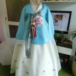 Royal Hanbok ฮันบกชาววัง ไหมเกาหลีสีฟ้าขาว สวยหรู