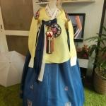 Princess Hanbok แบบชาววัง (ทังอี) สีเหลืองทอง ตัดน้ำเงิน สวยอลังการ