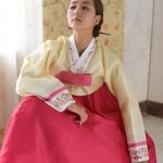 "Hanbok ฮันบก เกรด A+++ แบบต่อปลายแขน สีเหลือง อก 40"" สูง 163 cm."