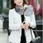 CW5901002 เสื้อโค้ทหญิงตัวสั้นมีฮูดแต่งเฟอร์ขน ซิปหน้าผ้าขนเป็ด(พรีออเดอร์) รอ 3 อาทิตย์หลังโอนเ thumbnail 5