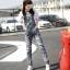 OW6005001 กางเกงยีนส์เอี้ยมทำเก่าขาตรงแฟชั่นเกาหลี (พรีออเดอร์) thumbnail 1