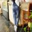 OW5905002 เอี้ยมกางเกงยีนส์ ขายาวแฟชั่นเกาหลี ทรงหลวมขาดเซอร์ (พรีออเดอร์) thumbnail 5