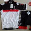 ชุดปั่นจักรยานแขนสั้นทีม Bianchi Milano เสื้อปั่นจักรยาน กับ กางเกงปั่นจักรยาน สีขาวดำคลิบแดง 142