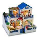 บ้านหลังใหญ่สีฟ้า 3 ชั้น มีพิ้นที่รอบบ้าน