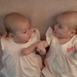 10 เคล็ดลับการเลี้ยงลูกแฝดง่ายๆ