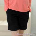 กางเกงคลุมท้องขาสั้นสีดำ